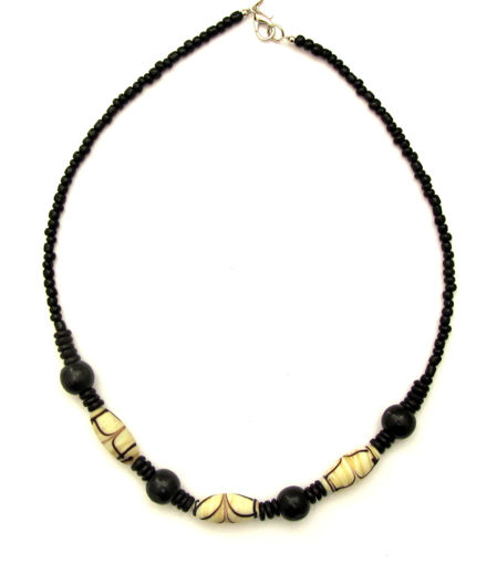 Picture of Necklace - Glass/Wood (Creme/Black)